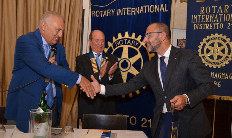 Il questore  socio onorario rotariano